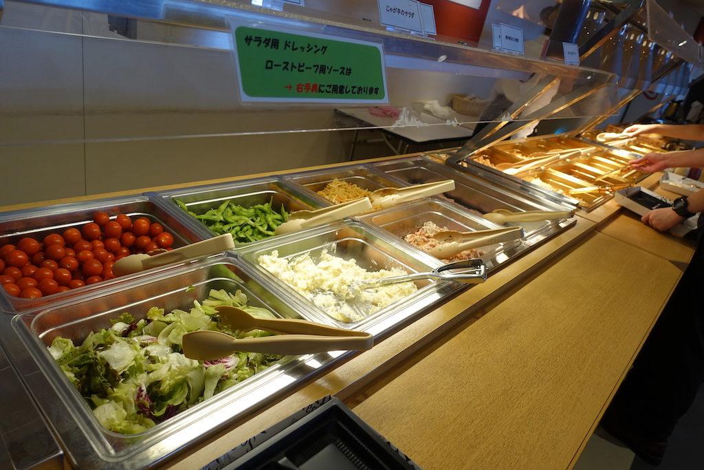 JALスカイビューシート ビュッフェの料理1