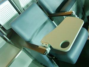 JALスカイビューシートの座席(テーブル付)